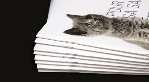 Brochure fermée