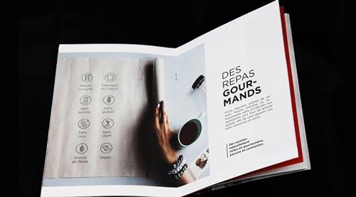 Brochure ouverte